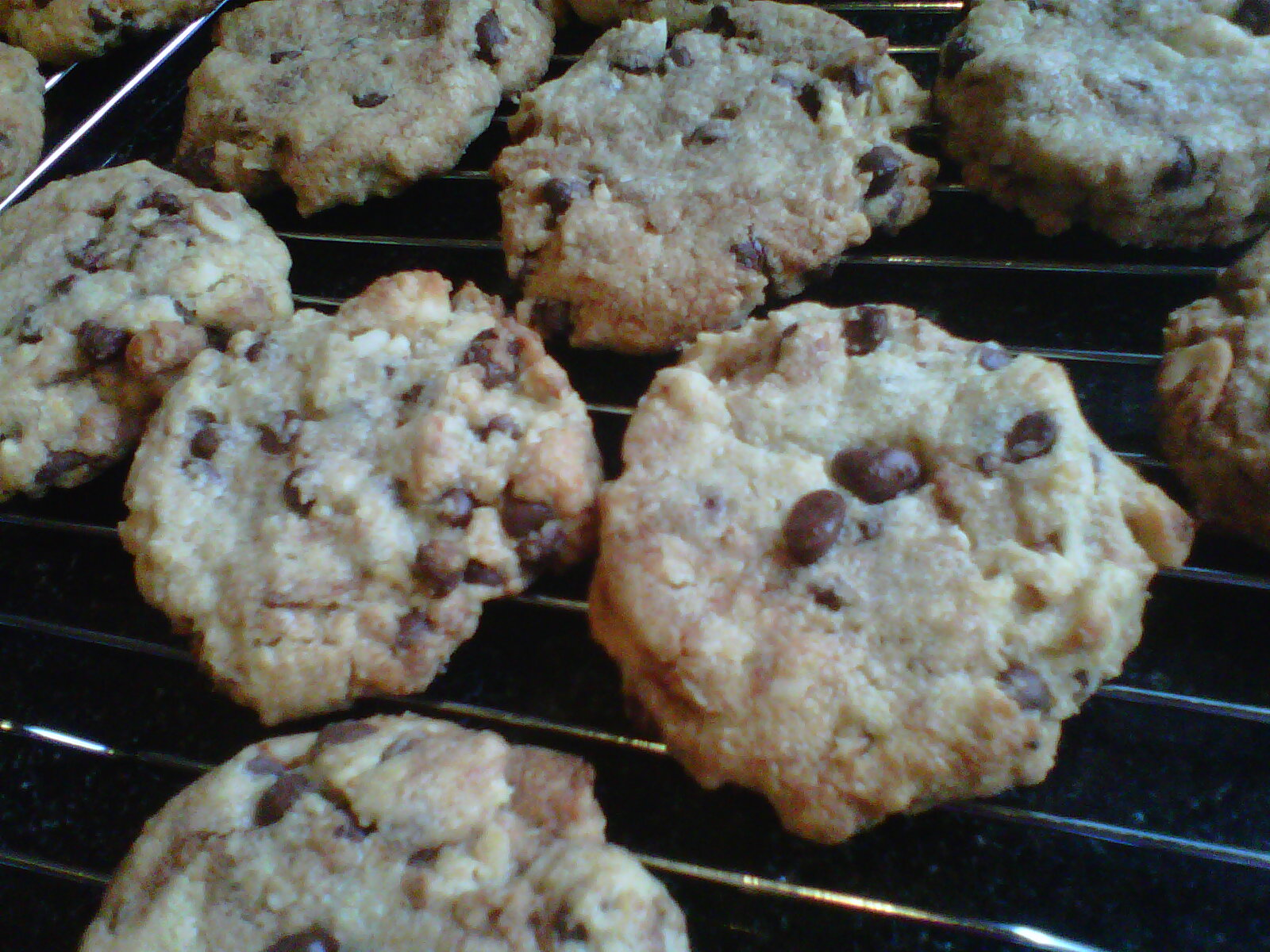 White Chocolate And Macadamia Cookies With Condensed Milk